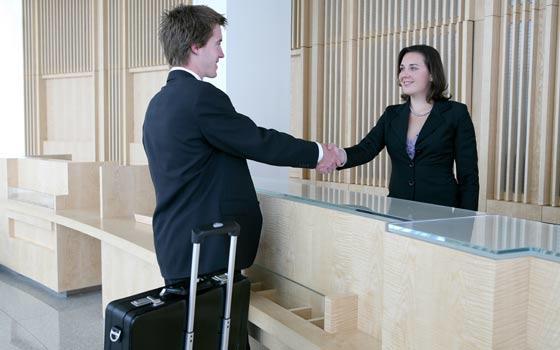Curso online de Recepción de Hotel + Inglés profesional para el Turismo
